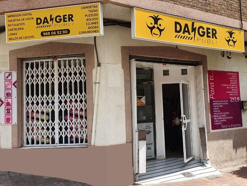 danger fachada